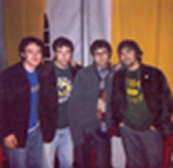 Pedro, Miki, Antonio y Sergio en el backstage